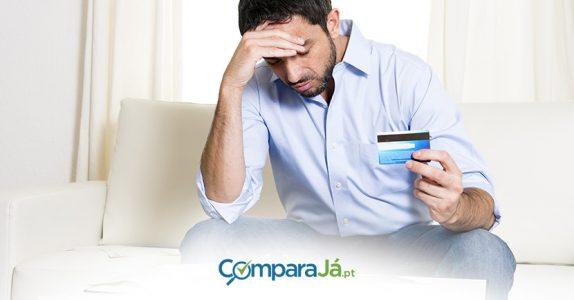 Que comissões e taxas sufocam o seu cartão de crédito?