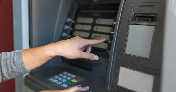 Como cancelar um débito direto?