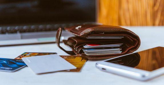 Como poupar com as transferências bancárias?