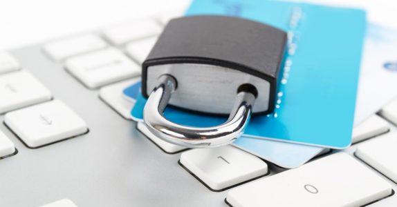 Como fazer compras seguras na Internet com cartão pré-pago?