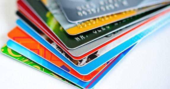 Que tipos de cartões bancários existem?