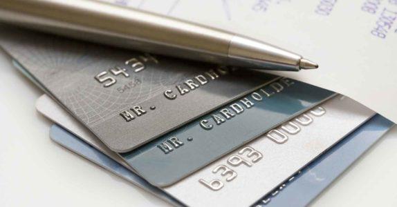 Para que serve um cartão de débito diferido?
