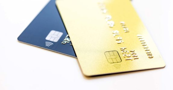 Cartão de débito e crédito: saiba tudo sobre cartões dual