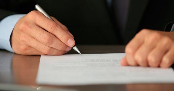 O que deve conter um contrato de crédito?