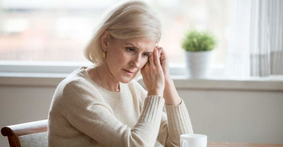 Em que condições é atribuída a pensão de viuvez?