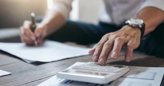 O que são juros de mora e como calcular?