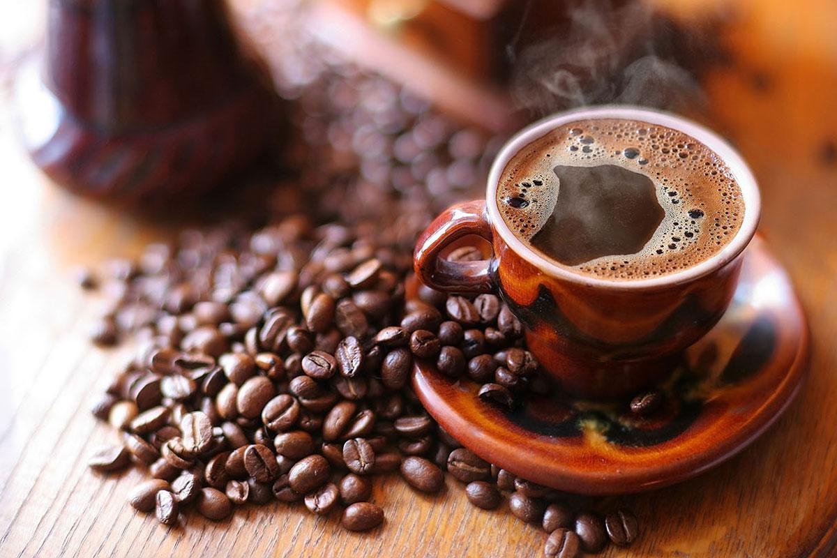Bayramda Taze Çekilmiş Kahve İçin Kuyruklar Oluştu
