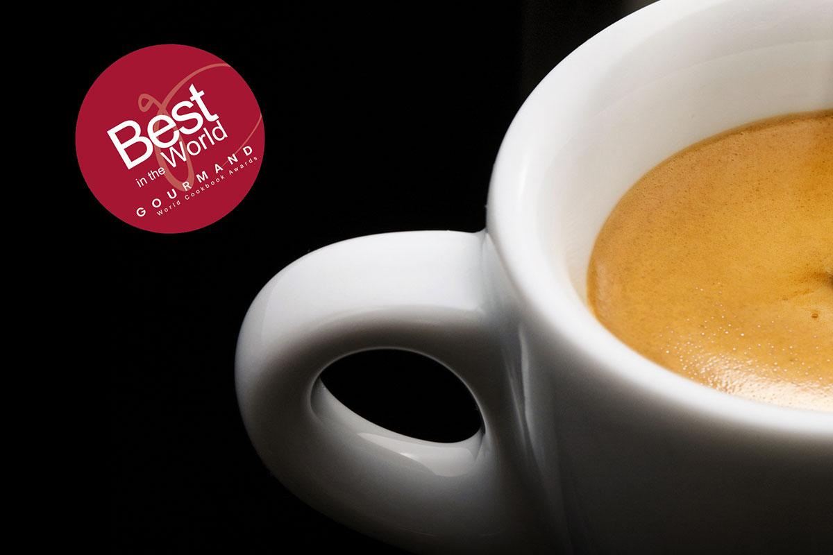 Uluslararası Ödüllü Türkçe Kahve Kitabı İngilizce Olarak Basılıyor