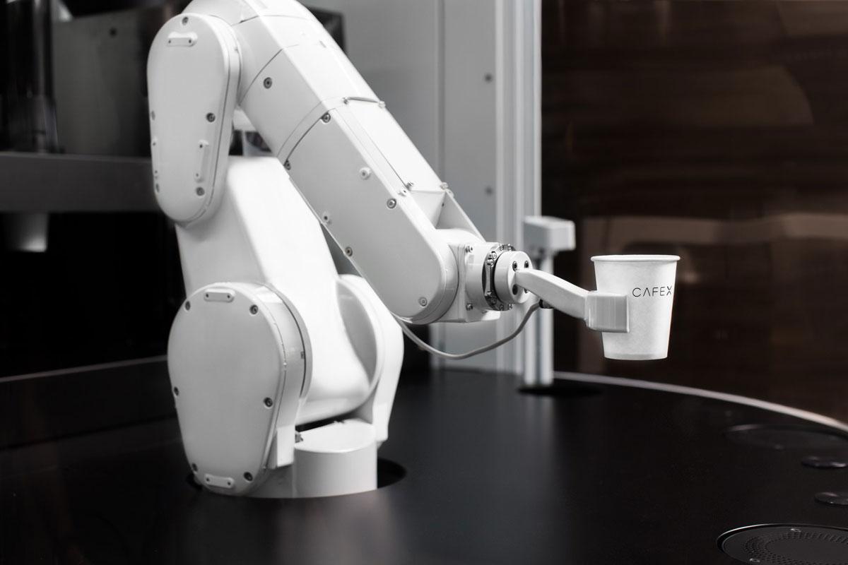 """Cafe X Kurucusu: """"İnsanlar Robotlaşmaktan Kurtulacak"""""""
