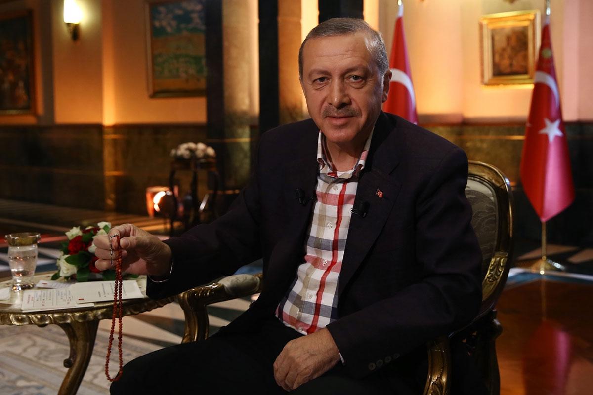 """Erdoğan Devam Ediyor: """"Evler Bile Coffee House Oldu"""""""