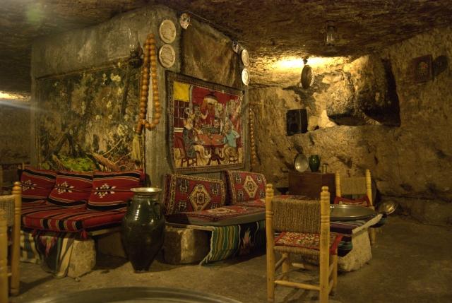 Yazın Serin, Kışın Sıcak Mağara-Kafe