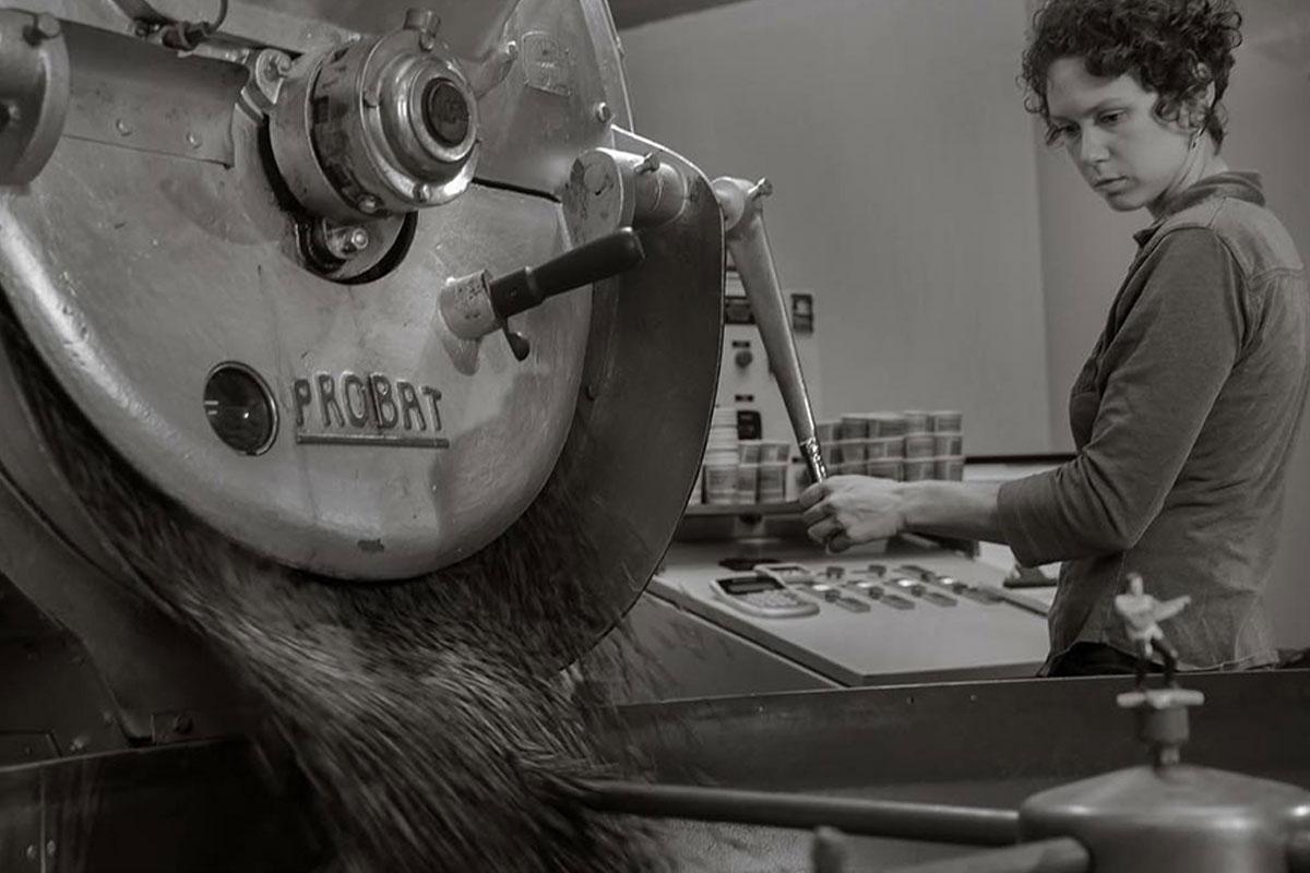 Makinelerin Ardındaki Kadınlar #ShesTheRoaster Etiketinde Buluşuyor