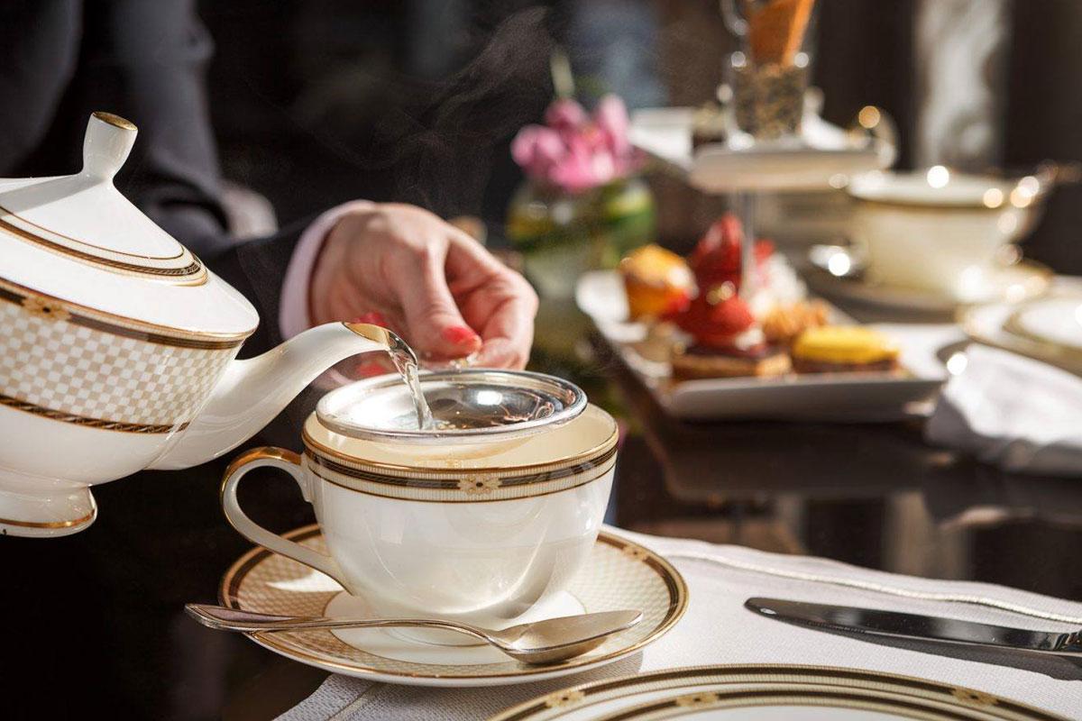 Londra'da Fincanı 200 Dolar Olan Çay
