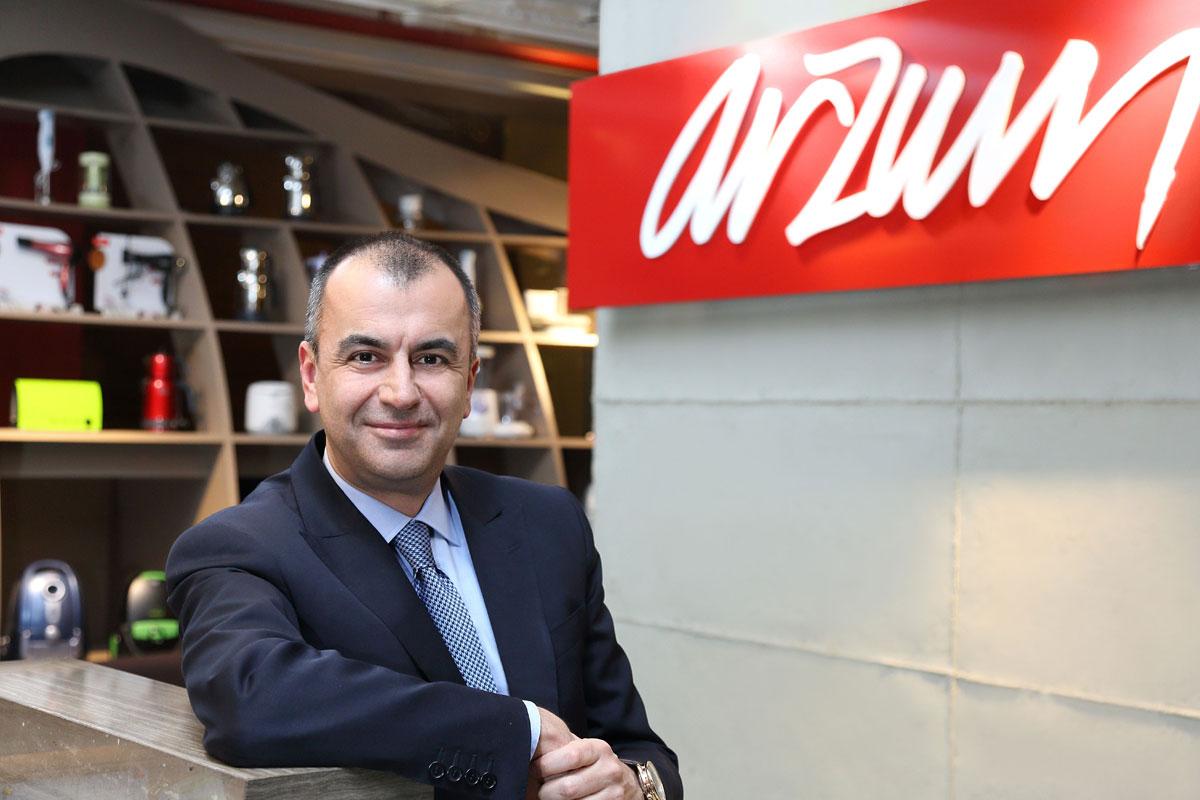 Arzum Yabancıları Türk Kahvesiyle Fal Sırasına Soktu