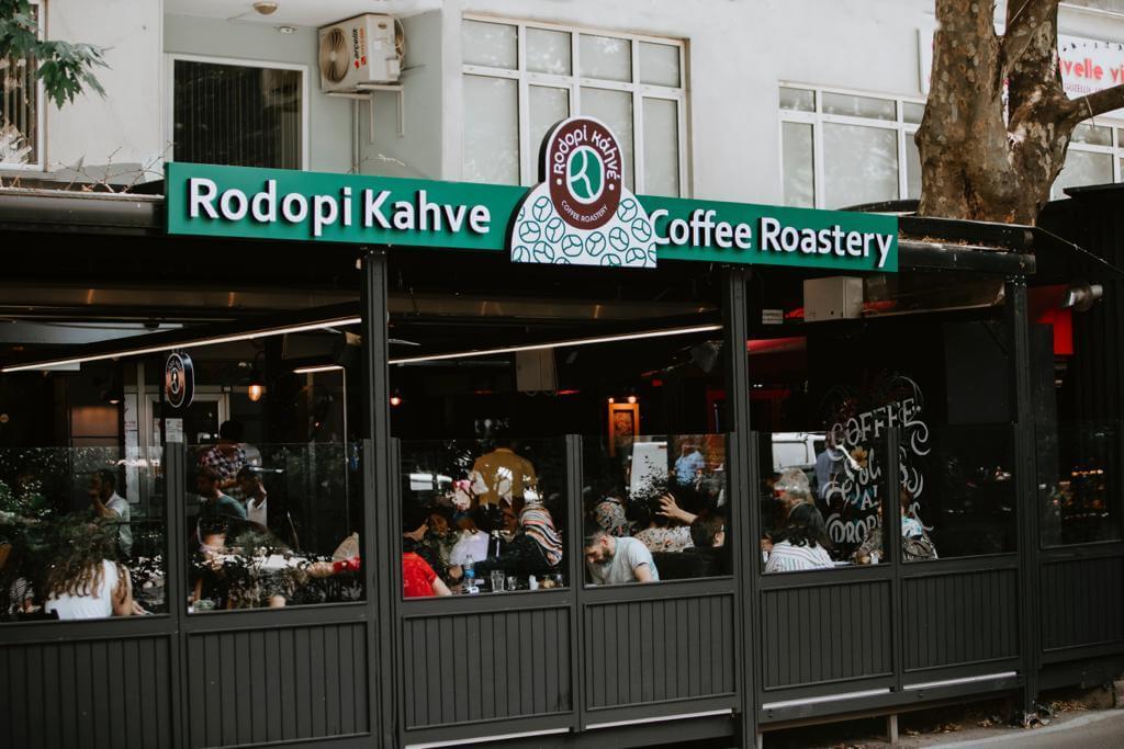 Rodopi Kahve, İlk Kafesini Açtı