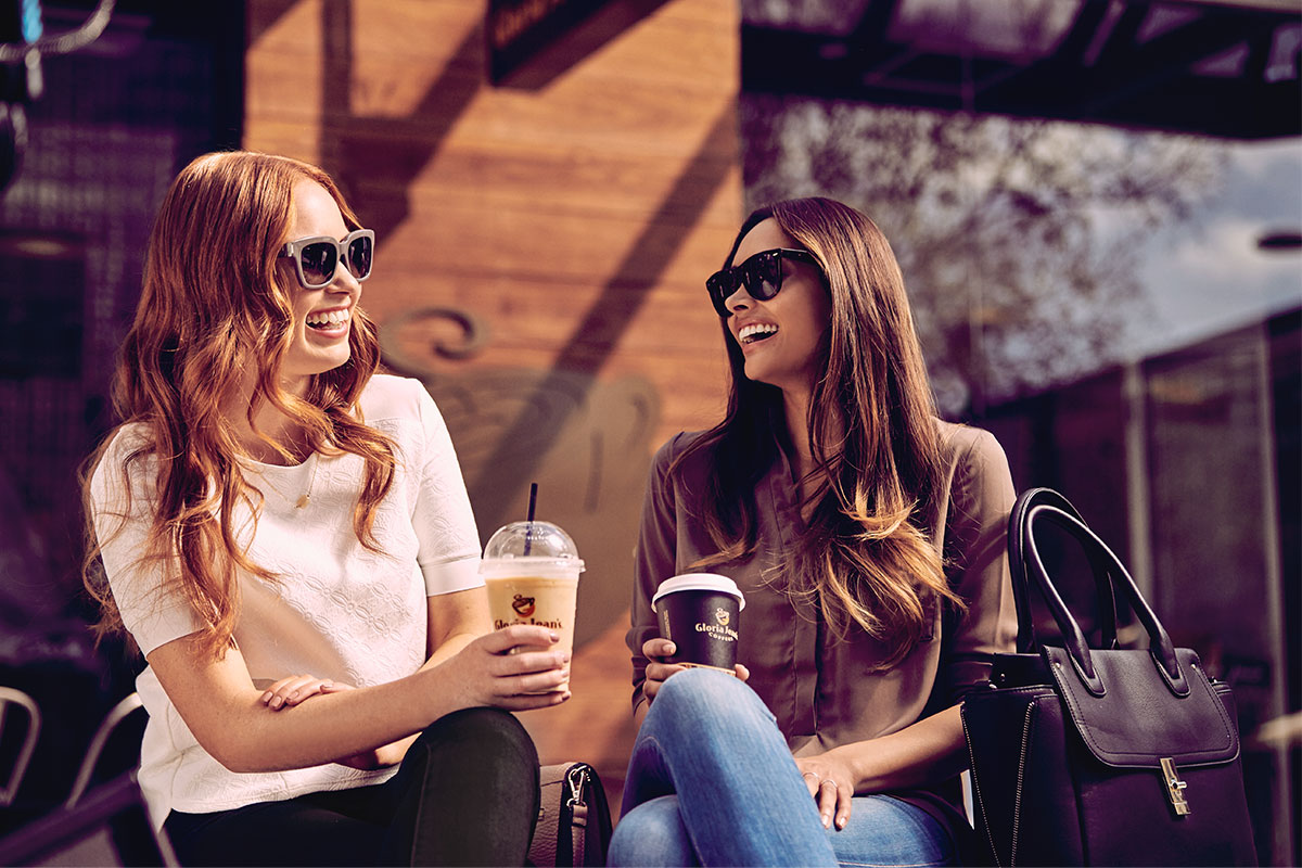 Gloria Jean's Coffees Üniversiteli Gençlerin Arkadaşlık İsteğini Kabul Etti