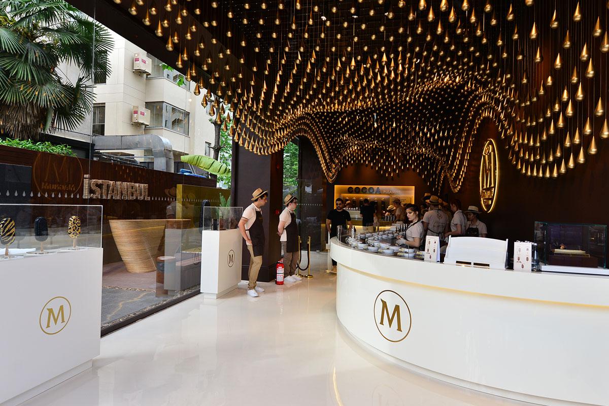 Magnum Store İstanbul; Kahve, Dondurma ve Çikolatayı Şık Tasarımıyla Buluşturuyor