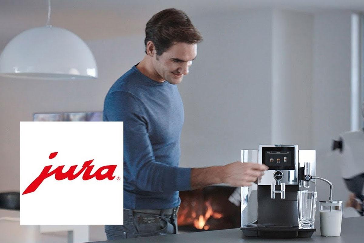 Jura Reklamında Roger Federer ve Robot Karşı Karşıya