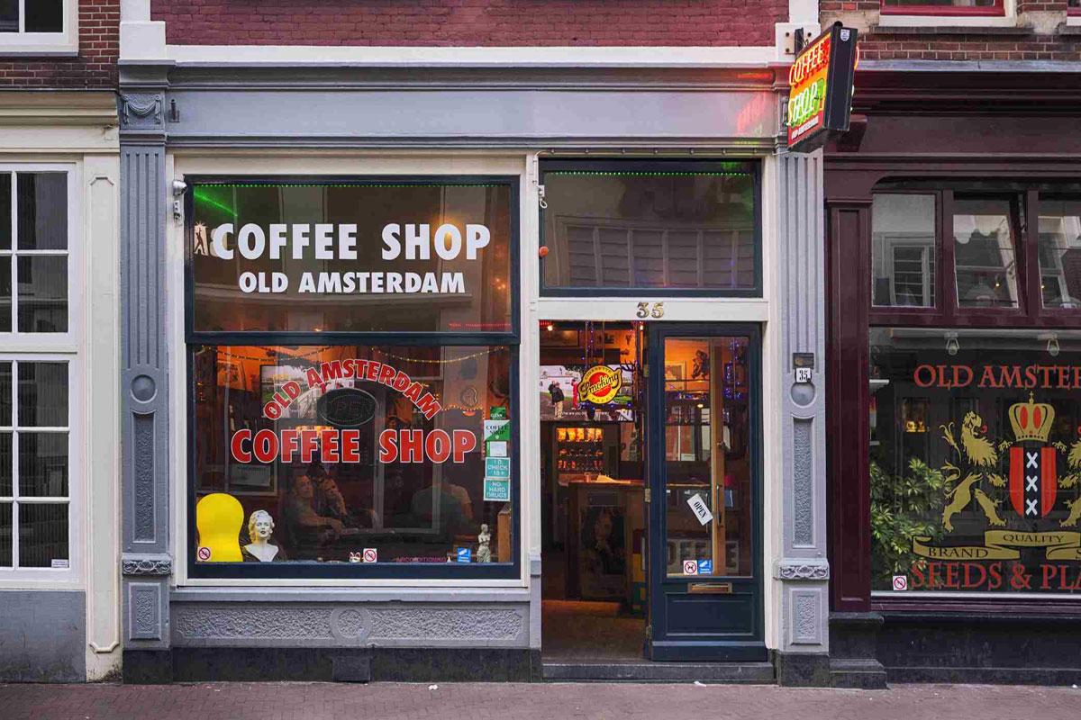 """Hollanda'da """"Bazı"""" Coffee Shoplar Tekrar Açılıyor"""