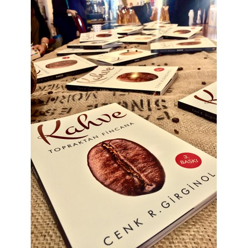 Dünyanın Tescilli En İyi Kahve Kitabı Bir Türk'ten