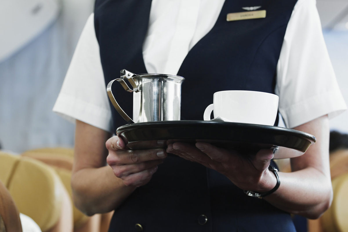 Kabin Görevlisinden Uçakta Kahve Uyarısı