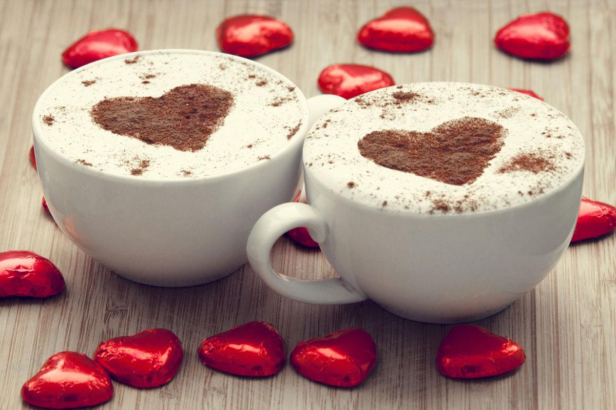 Kahve Bir Aşk: Sevgililer İçin Öne Çıkan Hediye ve Özel Ürünler