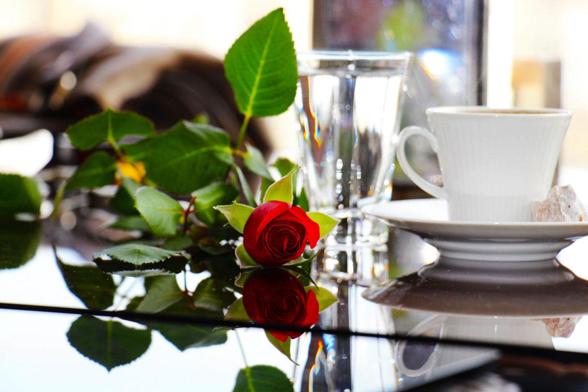 Gül Kahvesinin Kaç Yıl Hatırı Vardır?