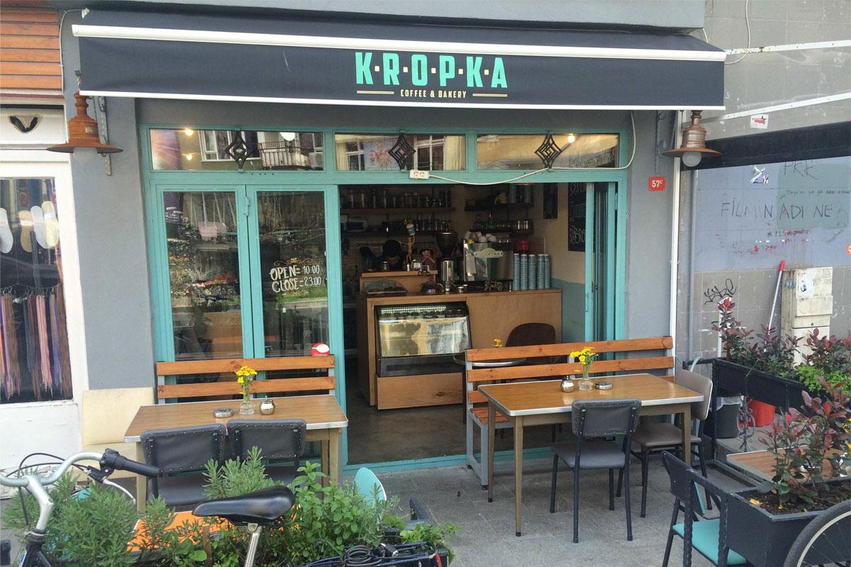 Kropka Coffee & Bakery