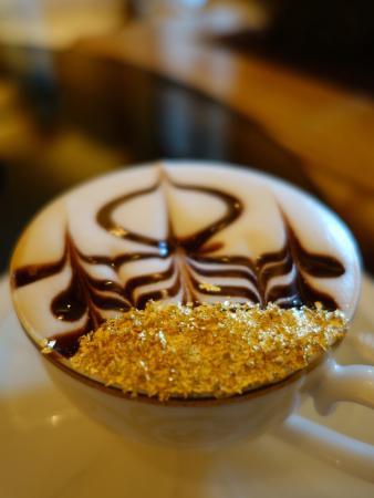 Altın Kaplamalı Cappuccino Alır mıydınız?