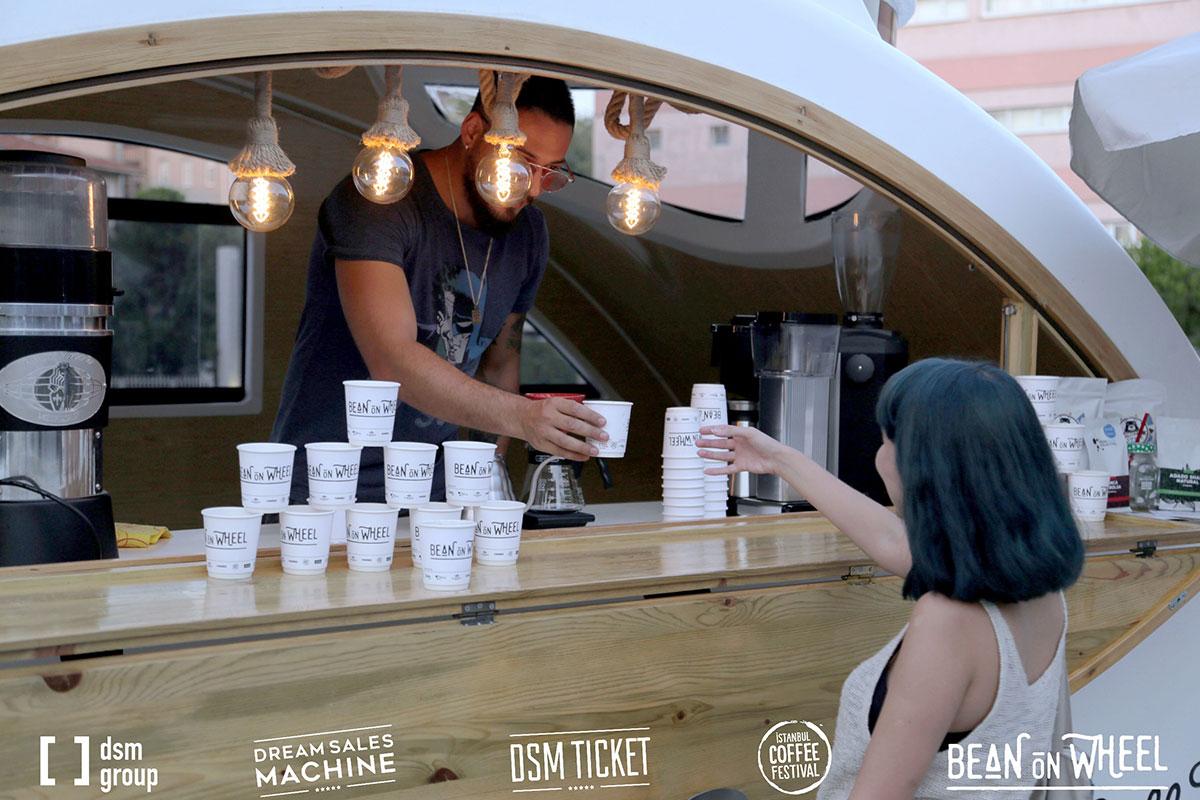 Bean On Wheel Projesi İle dsm group İyi Kahveyi Tanıtıyor, Yetiştiricilere Destek Oluyor