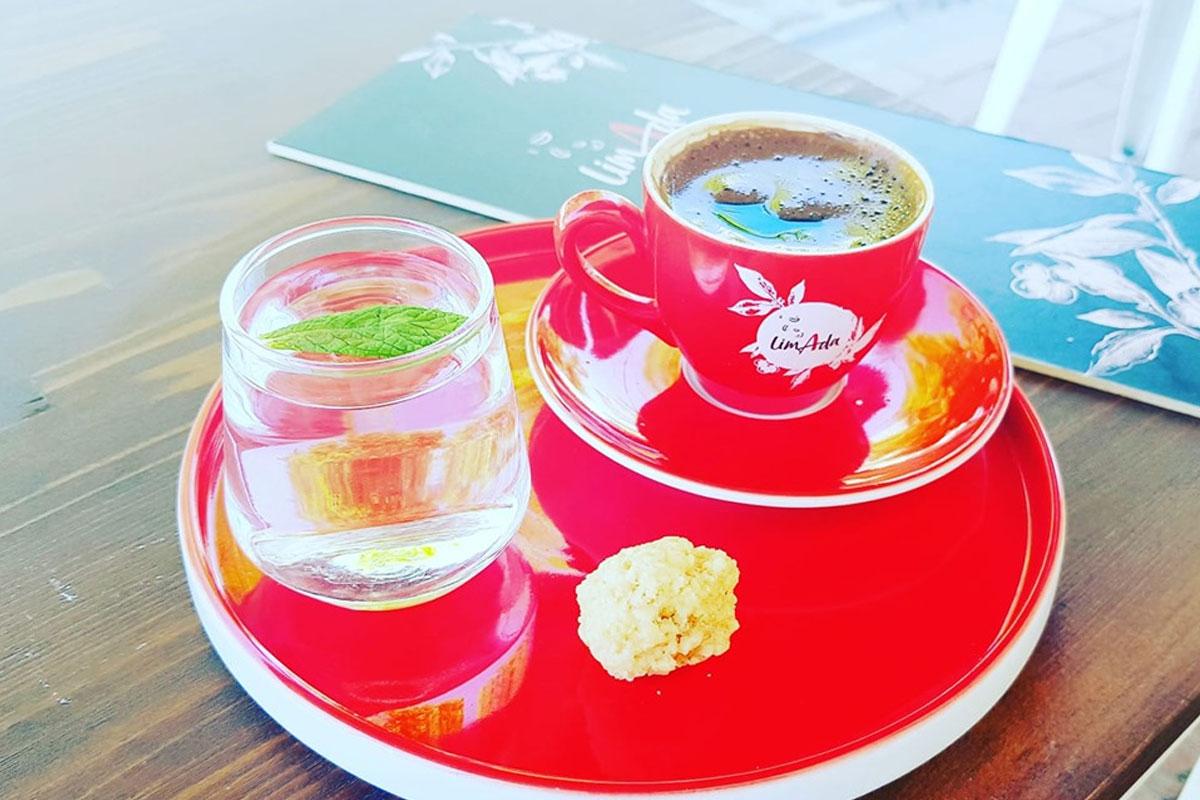 Bozcaada'da Üzümden Kahveye, Nesilden Nesile