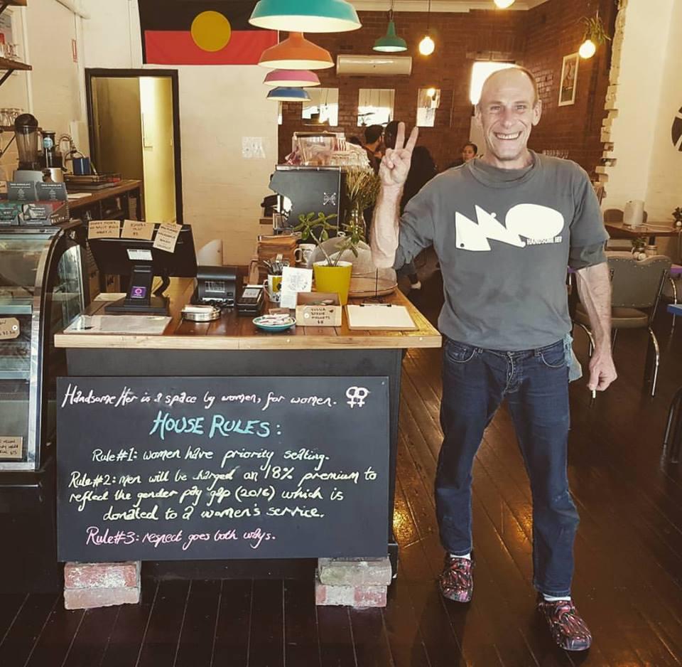 Erkeklerden Fazla Ücret Alan Vegan Kafe