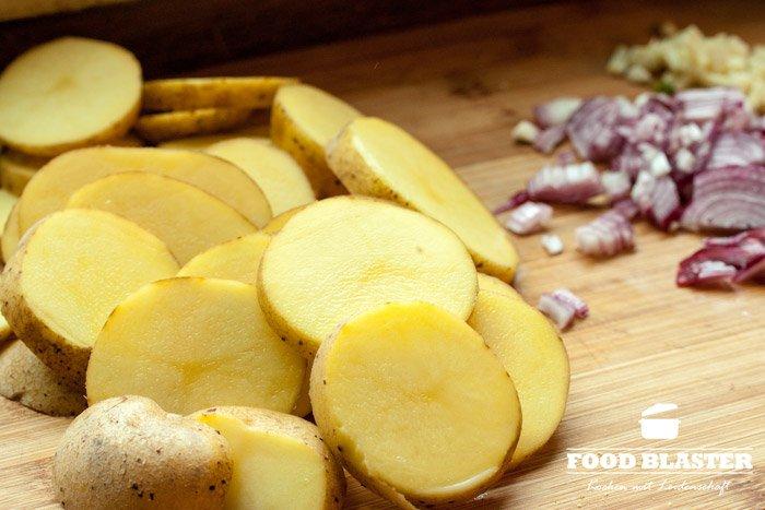 Kartoffeln schneiden für Bratkartoffeln