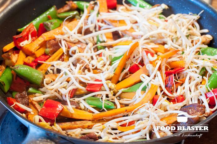 Asiatisches Gemüse braten