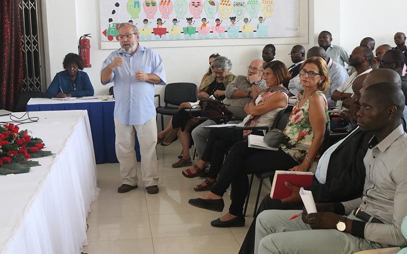 Aprendizagem para todos em Angola