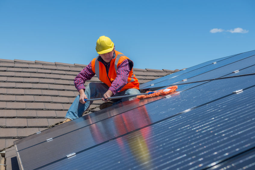 California first US state to require solar on new homes