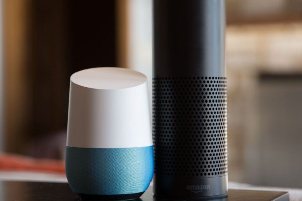 Amazon Echo si Google Home eMAG
