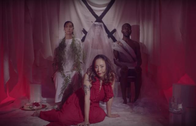 "Nieuwe single Xiu Xiu – ""Scisssssssors"""