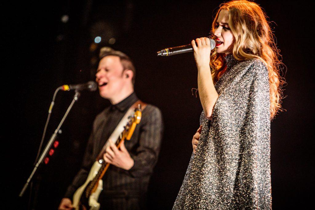 Win duotickets voor Hooverphonic of Arsenal in het OLT Rivierenhof!