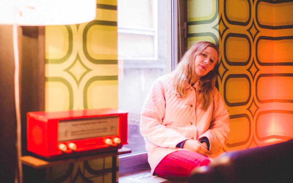"""Interview Julia Jacklin: """"Ik schrijf nummers die ik nodig heb, maar nergens kan vinden."""""""