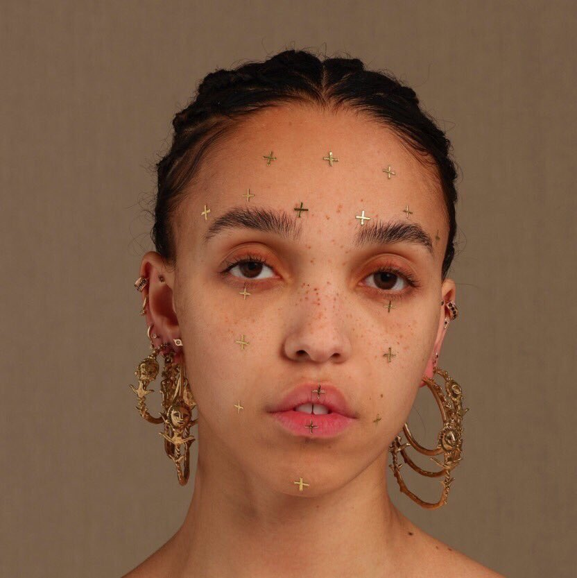 "Nieuwe single FKA Twigs – ""Cellophane"""