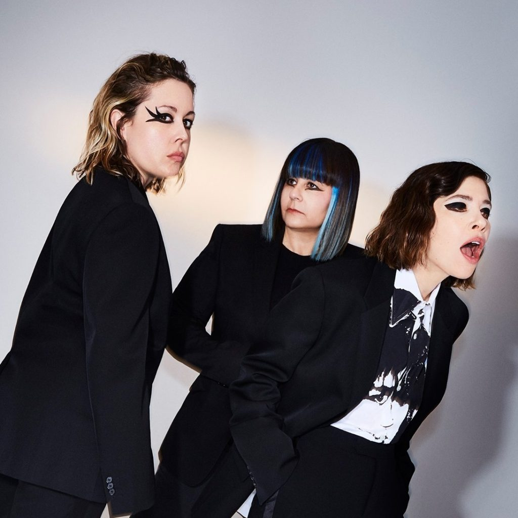 "Nieuwe single Sleater-Kinney – ""Hurry On Home"""