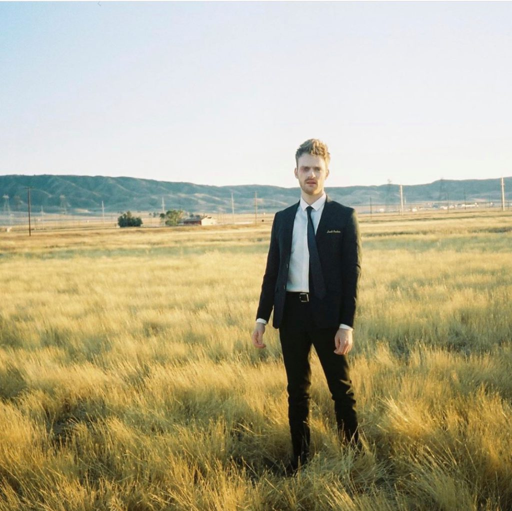 "Nieuwe single FINNEAS – ""Shelter"""