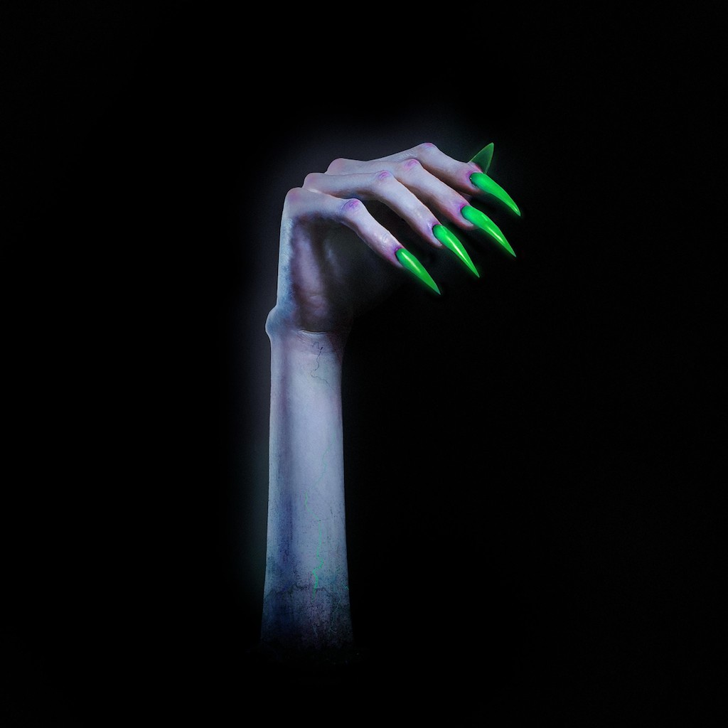 Kim Petras – TURN OFF THE LIGHT (★★★★½): Vlijmscherpe Halloweenpop