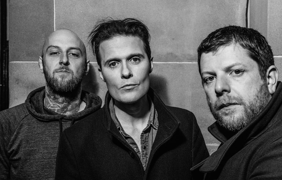 "Nieuwe single The Fratellis – ""Stand up Tragedy"""