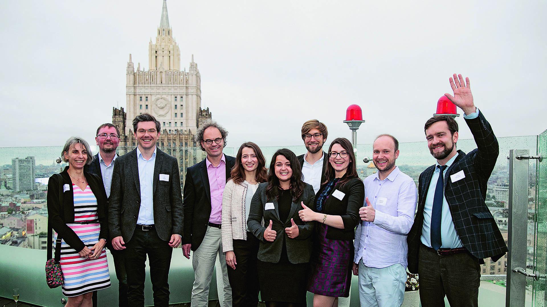 """Referentinnen und Referenten des deutsch-russischen Science Forum """"AI becoming human?"""" mit dem Organisatorenteam (DWIH Moskau und Deutsche Botschaft Moskau)"""