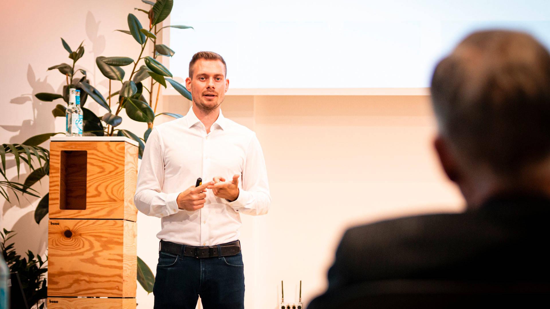 "Kreativer Kopf: Christopher Dörner, Firmengründer   und Sieger bei ""Startups Connected"""