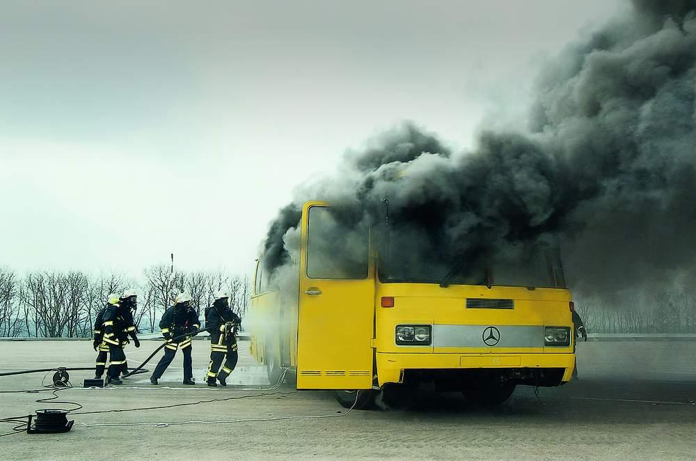 AGBF, DFV und vfdb fordern neue Vorschriften für den Brandschutz in Bussen