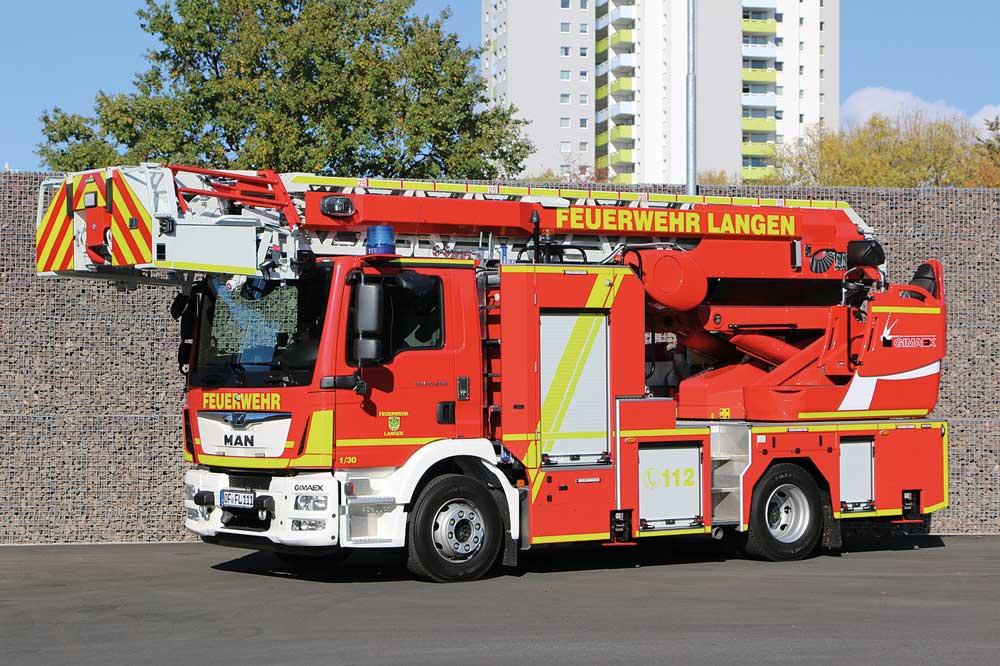 FF Langen stellt Kompakt-DLAK 23/12 und HLF 20 in Dienst