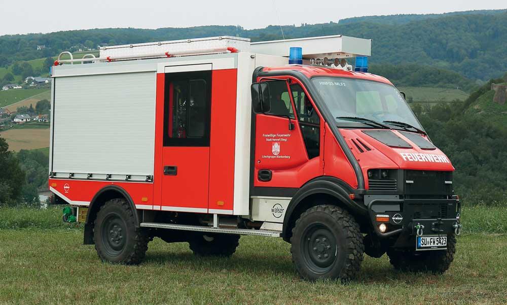 Zwei MLF auf Bremach-Fahrgestellen für die Feuerwehr Hennef (Sieg)
